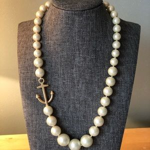 Vineyard Vines pearl and anchor necklace